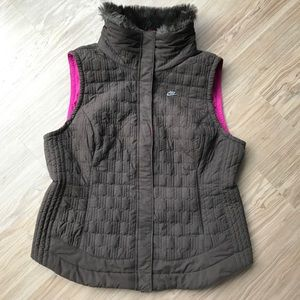 9f8e9df98382 Nike Jackets   Coats - Nike Faux Fur Collar Quilted Chocolate Vest Size L